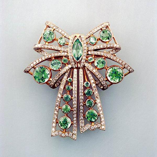 серебряные кольца с камнями соколов